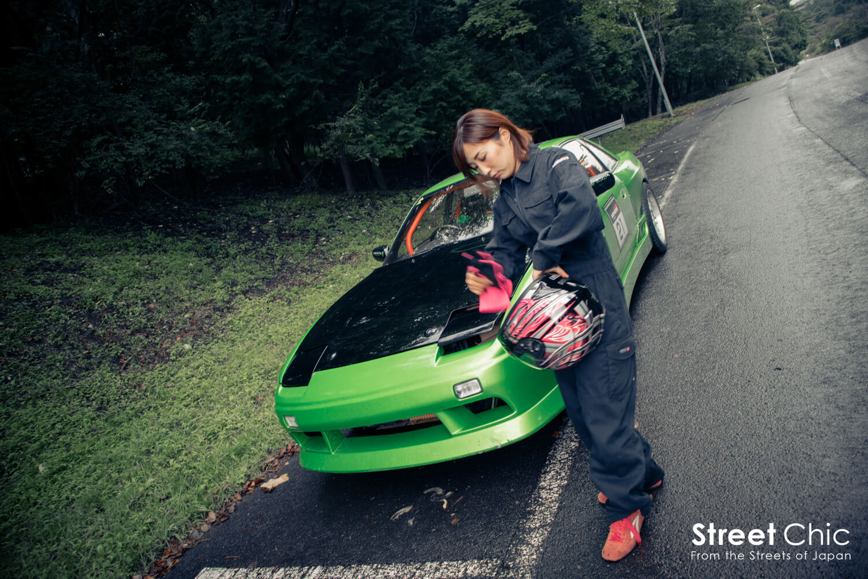 s13ワンビアを振り回す女性ドライバー