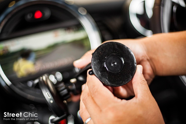 ワイヤレス充電スマホホルダー、車載、卓上OK!!赤外線センサーでワンタッチ