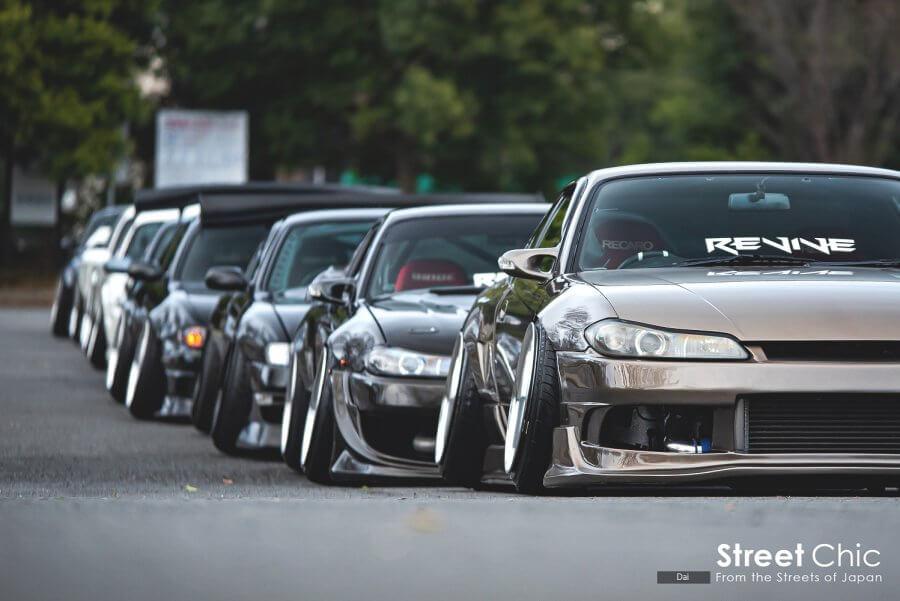 REVIVEのシルビアをチェック!!S14、S15のショーカーやドリ車の合計8台。それぞれのクルマに対する向き合い方、人ありきで集まったチームならではのルール。